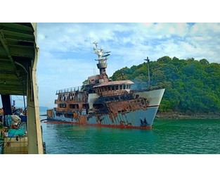 Mega yacht fire, Phuket, Thailand. UPDATE Aug 9: total loss? - FleetMon
