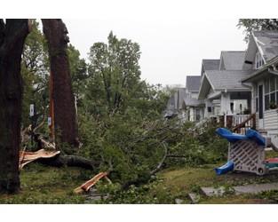 Powerful storm leaves 2 dead, heavy crop damage in Midwest - AP