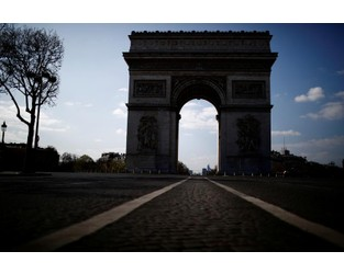 Arc de Triomphe, Eiffel Tower in Paris evacuated in security alerts-police - Reuters