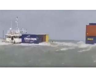 Lighter container ship with 152 containers sank off Chittagong Update - FleetMon