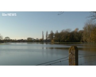Thames bursts its banks, with flooding in Abingdon - ITV