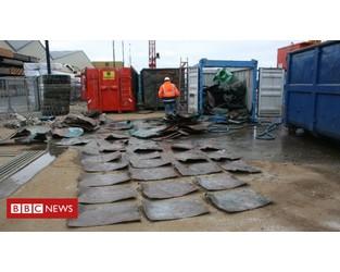 Dutch stumble on 'oldest' shipwreck - BBC