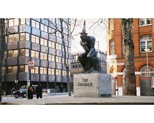 'Stolen' Banksy statue could fetch $1.3m at auction - CNN