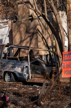 PG&E Faces Fresh Pain as Old Fire Claims Return to Haunt Utility - Bloomberg