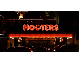 Zurich seeks removal of Hooters Covid-19 contamination lawsuit to federal court
