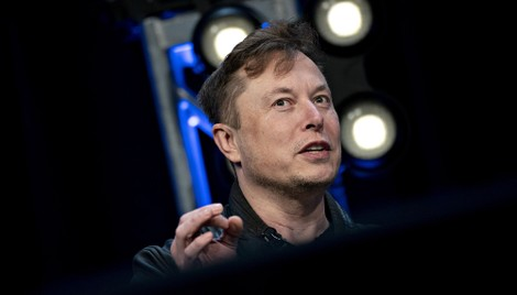 Tesla Pays CEO Musk Nearly $1M for Controversial D&O Insurance Arrangement