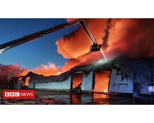 Dewsbury fire: 999 crews spend night tackling bed factory blaze - BBC