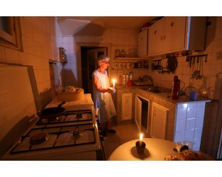 Blackouts darken misery of Lebanon's economic collapse - Reuters