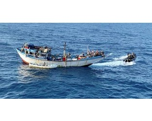 EU Navfor arrests five Somali pirates after capturing mothership - TradeWinds