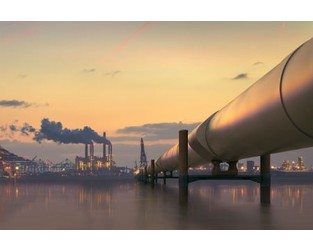 Oversupplied global oil market could cause economies to falter