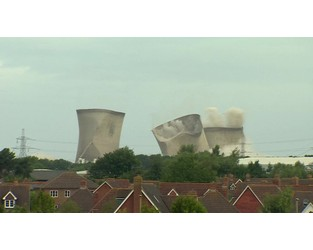 Power cut as power station towers demolished - BBC