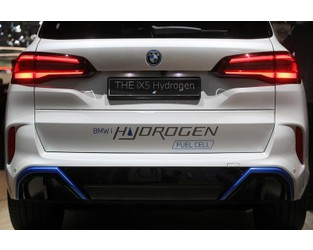 German auto giants place their bets on hydrogen cars - Reuters