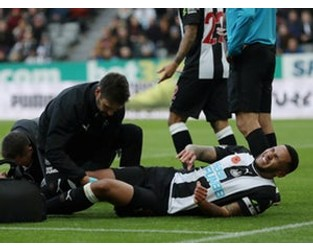 Newcastle captain Jamaal Lascelles ruled out until 2020 with knee injury - Sports Mole