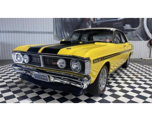 Classic Ford Falcon sells for world record-breaking price at auction -7 News