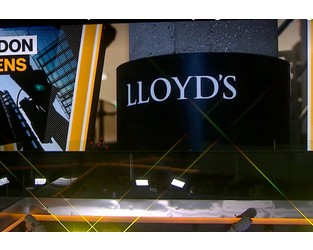 Lloyd's of London Brokerage Suspends Two Over Harassing Email - Bloomberg