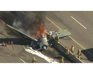 Vintage plane crash on the freeway and burst into flames - News In Flight