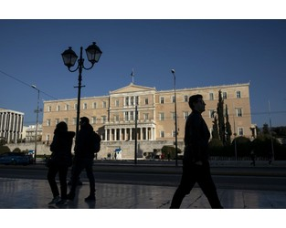 Greece Sells 15-Year Debt for First Time in More Than Decade - Bloomberg