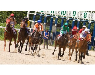 UK horse racing sees 'risk-managed' return