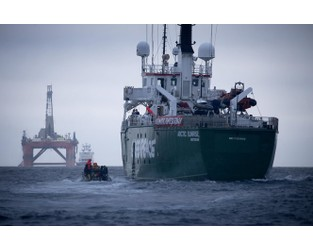 BP rig forced to make U-turn after Greenpeace ship blocked its way - OET